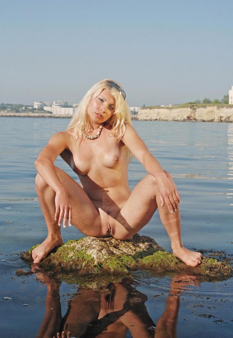long run, mermaids prefer sitti - sunflower22a | ello
