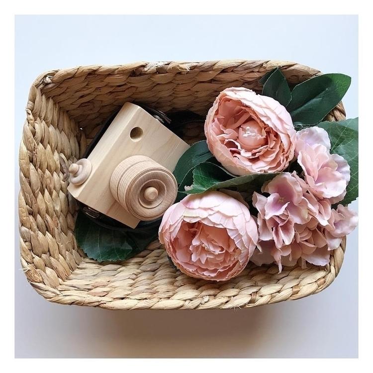 loving glimpses Spring popping  - blossomandbeekids | ello