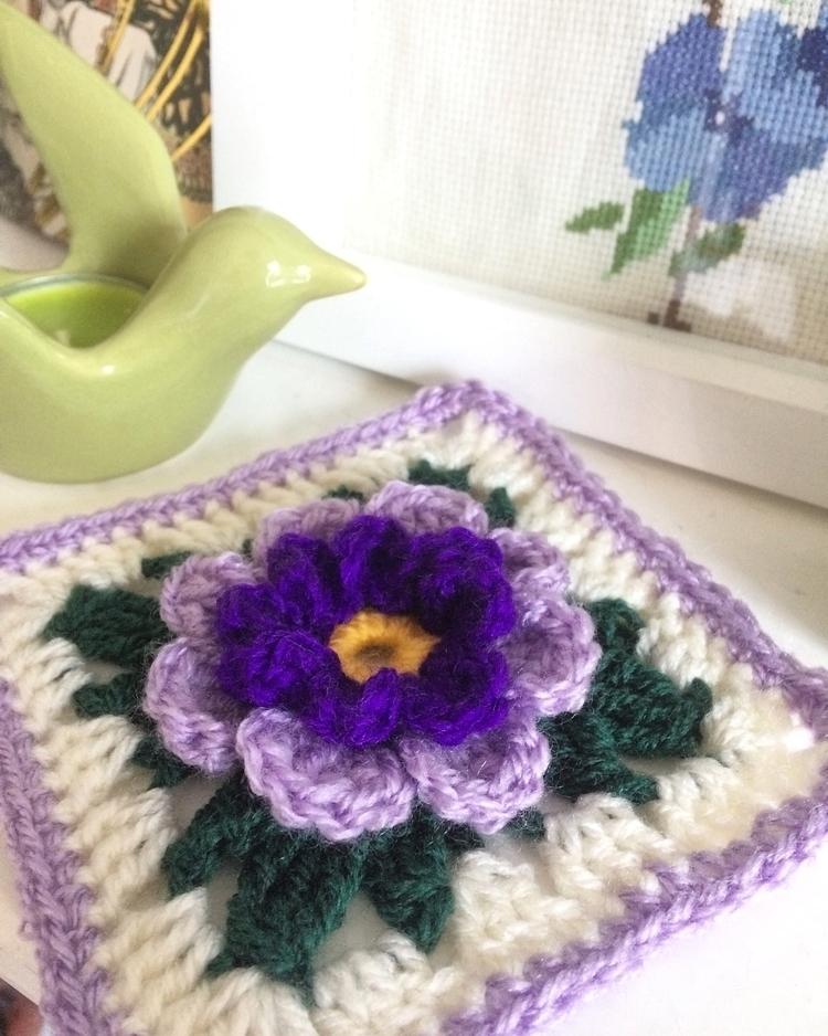 crochet, yarnaddicted, maker - joyfulfluff | ello