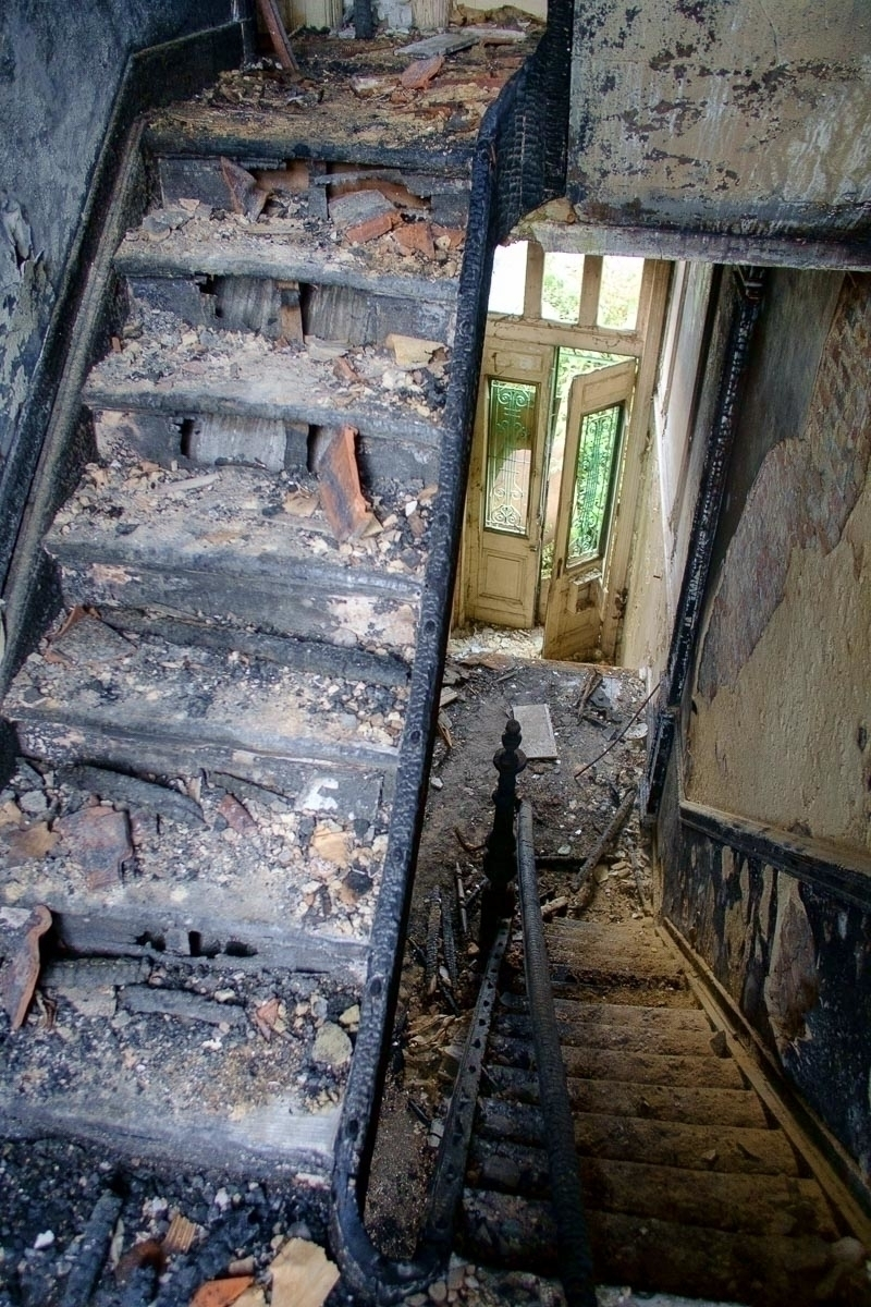 hot. Burned house - Antwerp,, Belgium. - velviake   ello