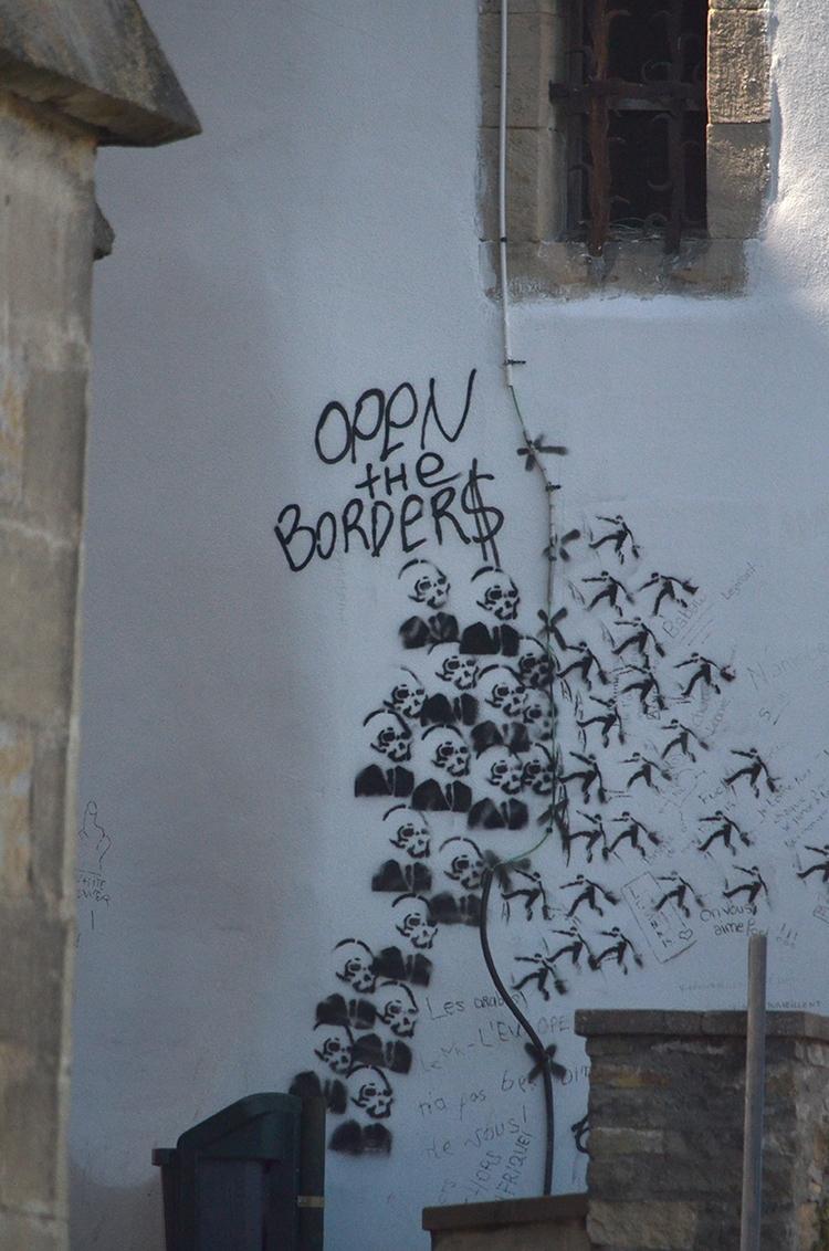 Open borders - StreetArt, Limoux - le_m_poireau   ello