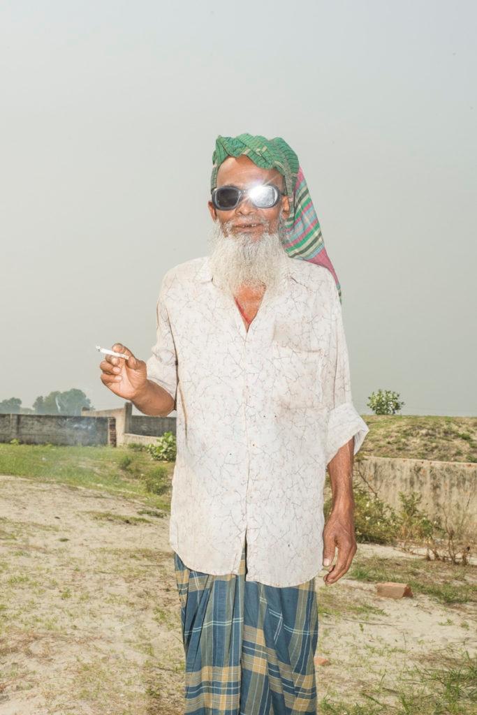 Bangladesh based Hadi Uddin cre - thefloatingmagazine | ello