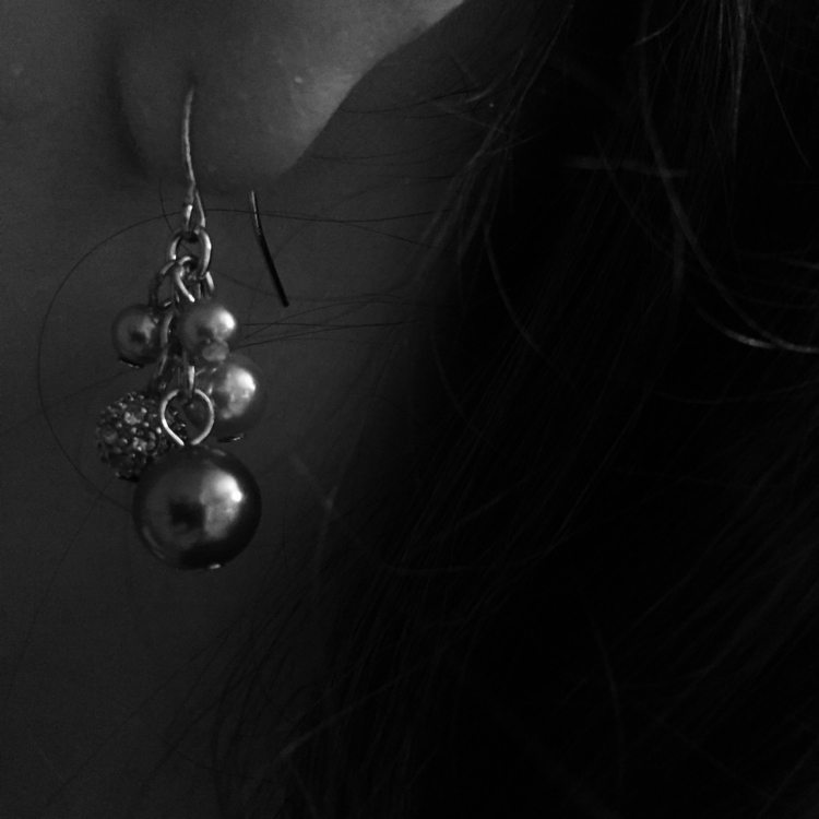 keenly aware silver beads dangl - crystaltruths | ello