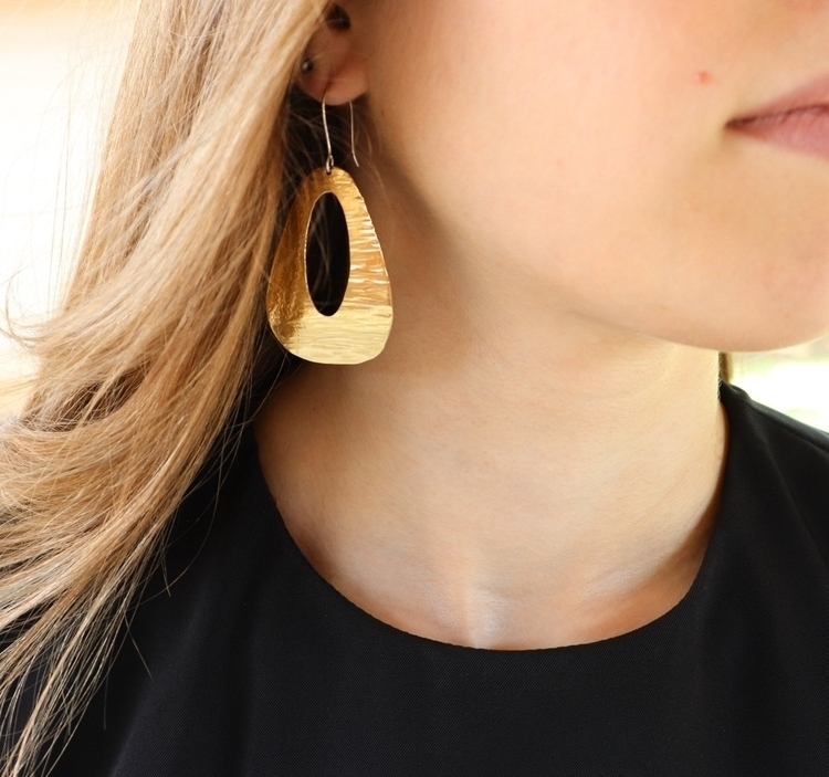 Gold tones (brass) earrings! ex - srjewelry | ello