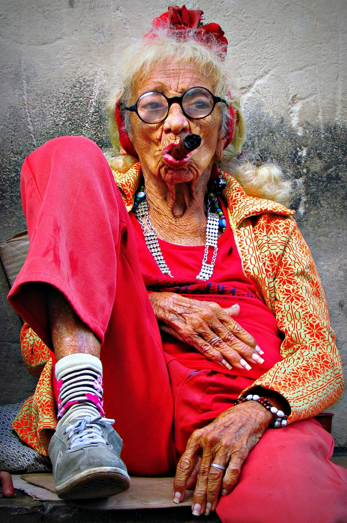Cuban Lady Cigar - photography, cuba - lilavert   ello