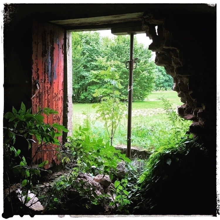 farmhouse, ruin, landlife, abondoned - willkreutz | ello