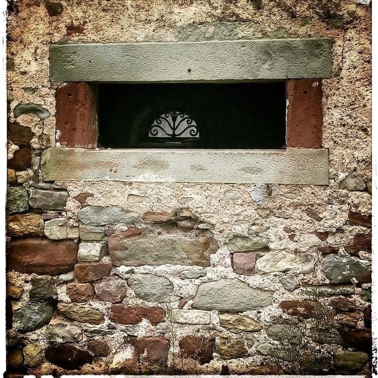 windowinthewindow, barn, stable - willkreutz   ello