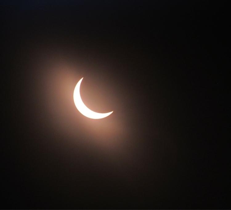 minutes - moonscape., eclipse2017 - tehranchik | ello