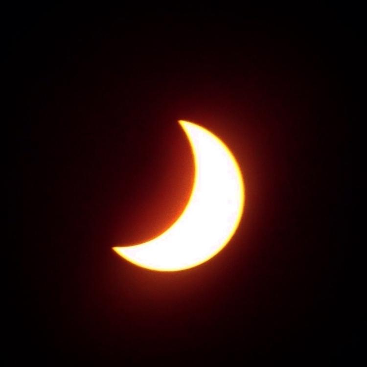 awe-inspiring celestial event;  - alexgzarate | ello