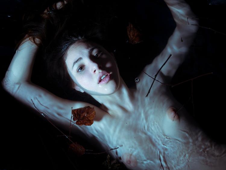 — Photographer:Arianna Pucci M - darkbeautymag | ello