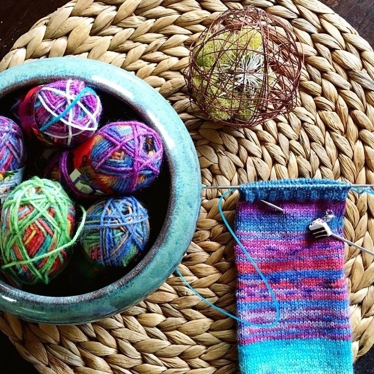 bowl minis - knitting, knitlife - misocraftyknits | ello