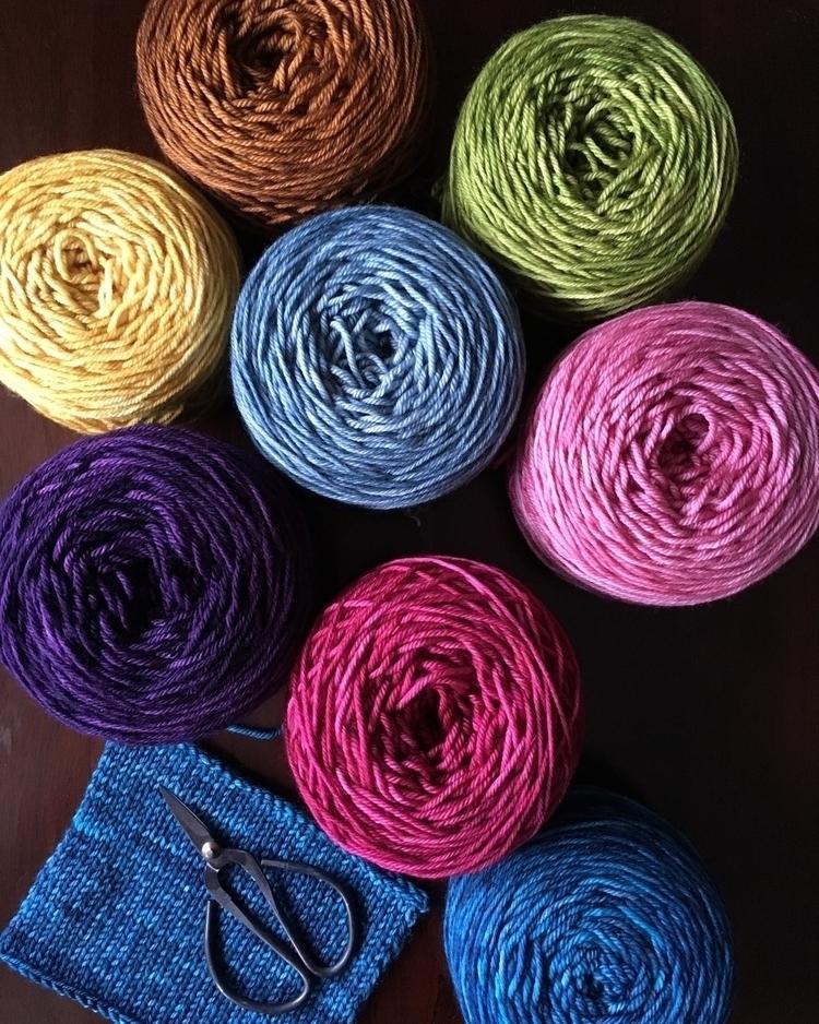Yarn cakes - knitting, knitlife - misocraftyknits | ello