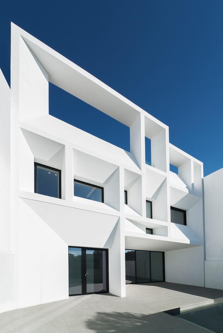 Beautiful minimalism gorgeous g - barenbrug   ello