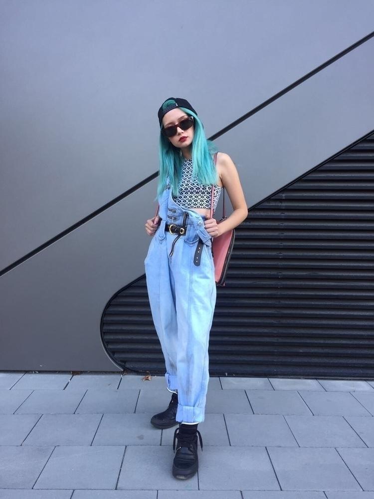 cool 90s girl style bratz doll - saraurb | ello