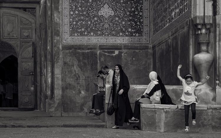 Jump middleeast - Iran, Isfahan - julian_k | ello
