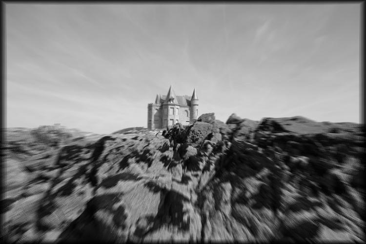 [Quiberon -- castle rising sun  - petit_louis | ello