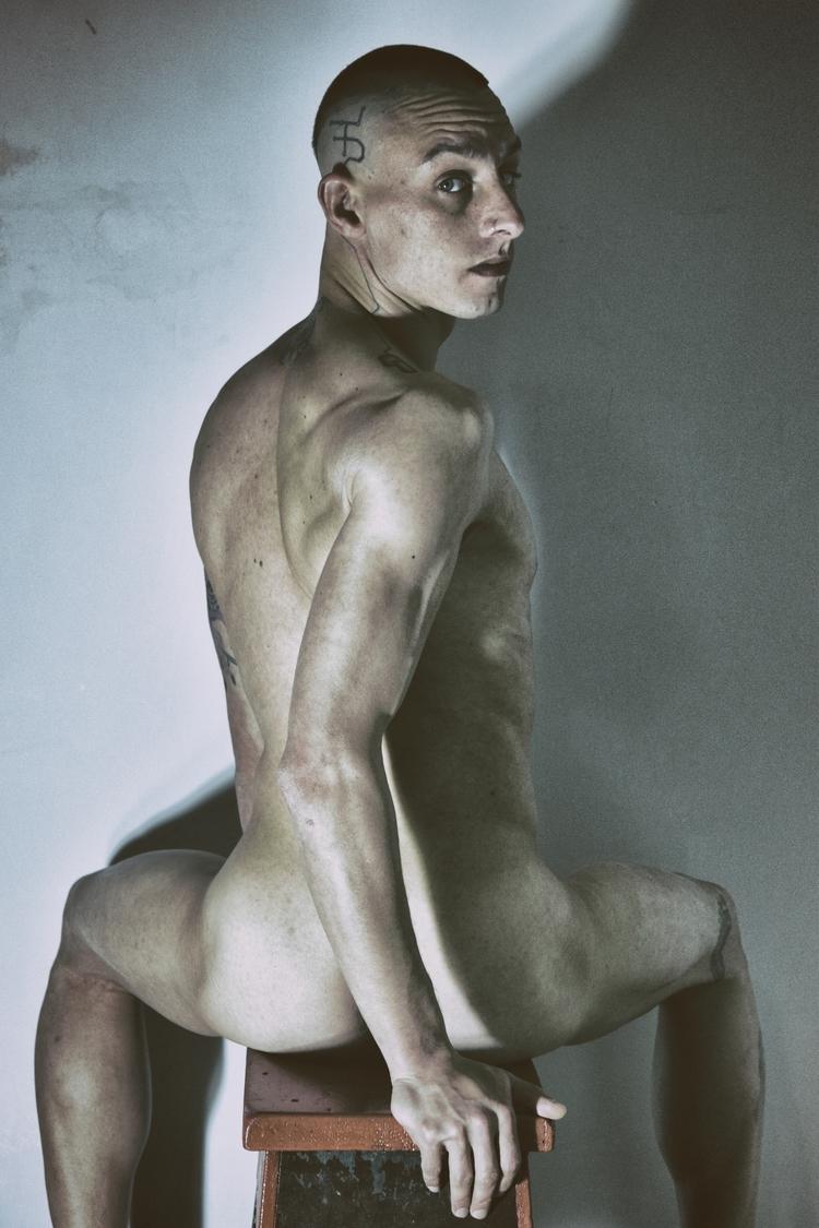 DANCER - Demian Savinio - photography - demiansavinio | ello