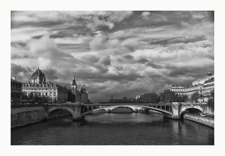 Paris morning Seine - guillermoalvarez | ello