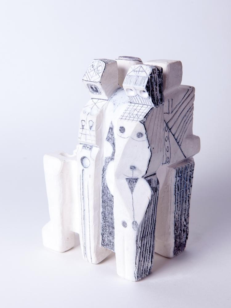 4TOP - Plaster graphite Robert  - rhardgrave | ello