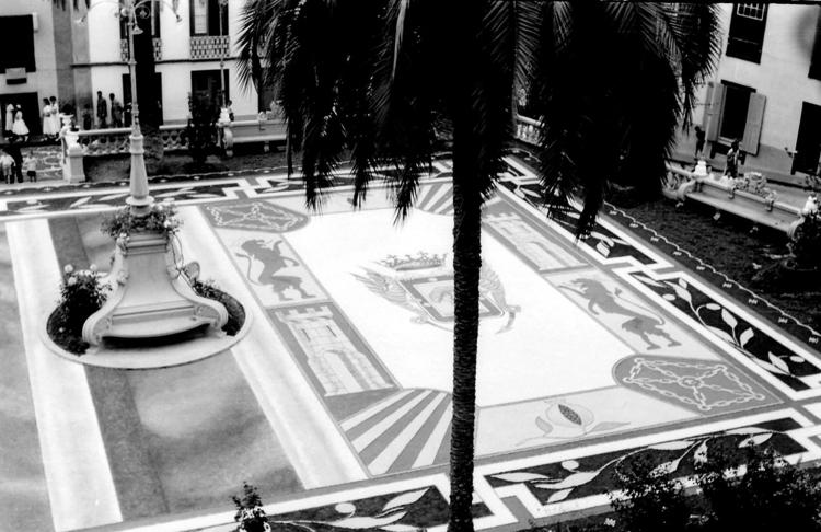 Foto antigua de las alfombra la - karinkolk | ello