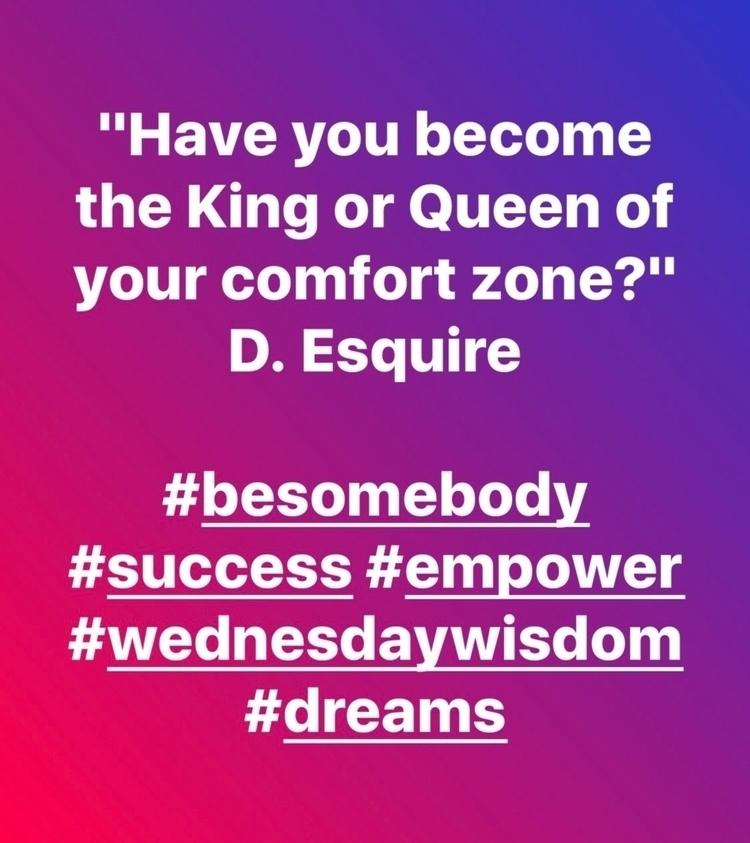 King Queen comfort zone? Esquir - esquirephotography   ello
