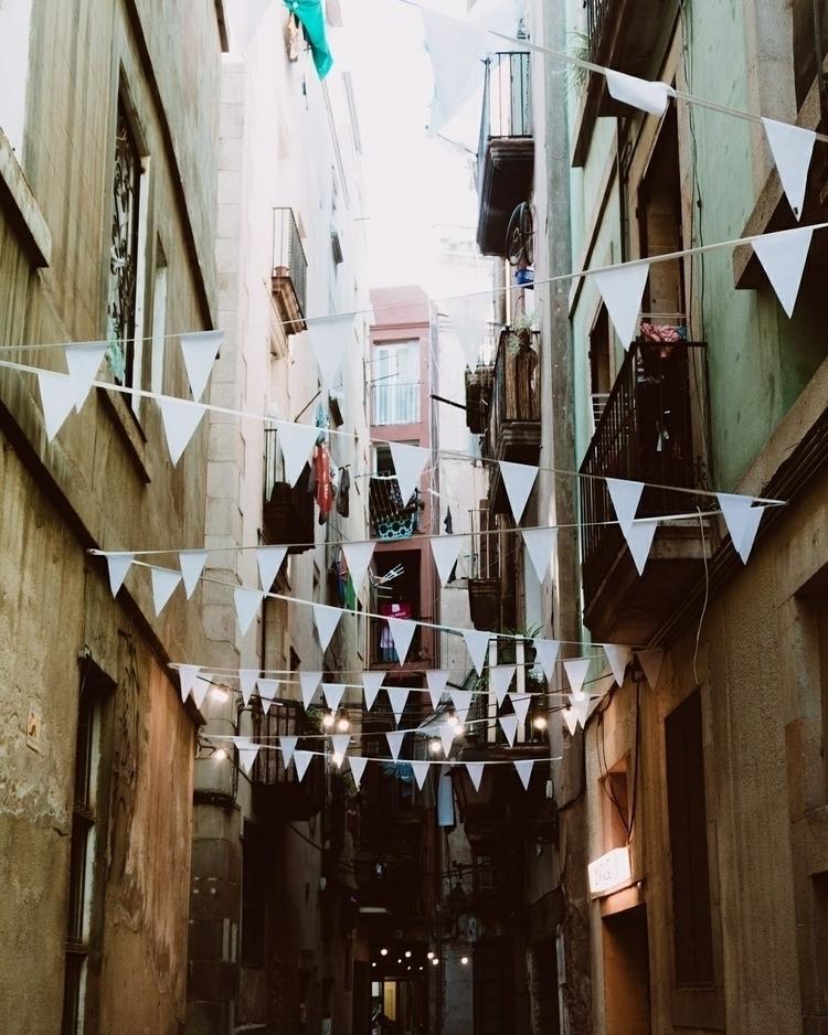 streets - barcelona, europe, 50mm - marcantoine_vachon | ello