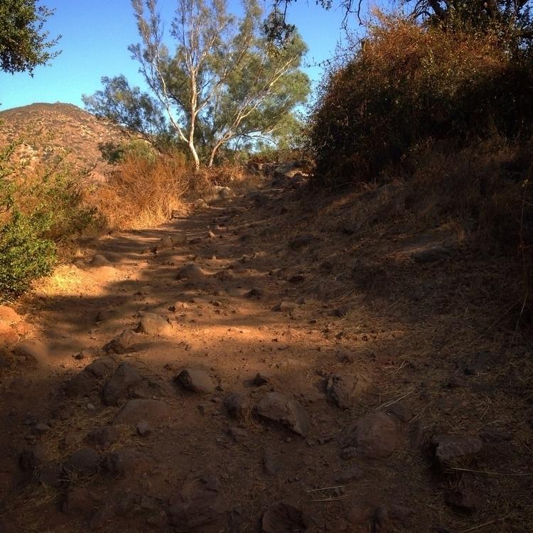 find difficult path sight, smil - alexgzarate | ello