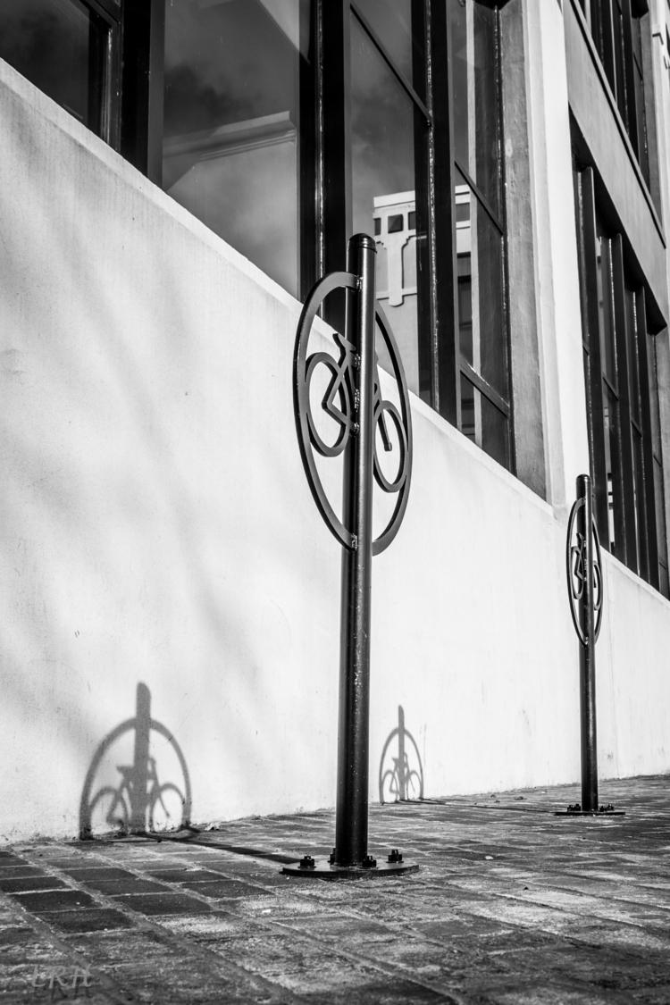 bicycle, light, shadow, blackandwhitephotography - spikenavy | ello