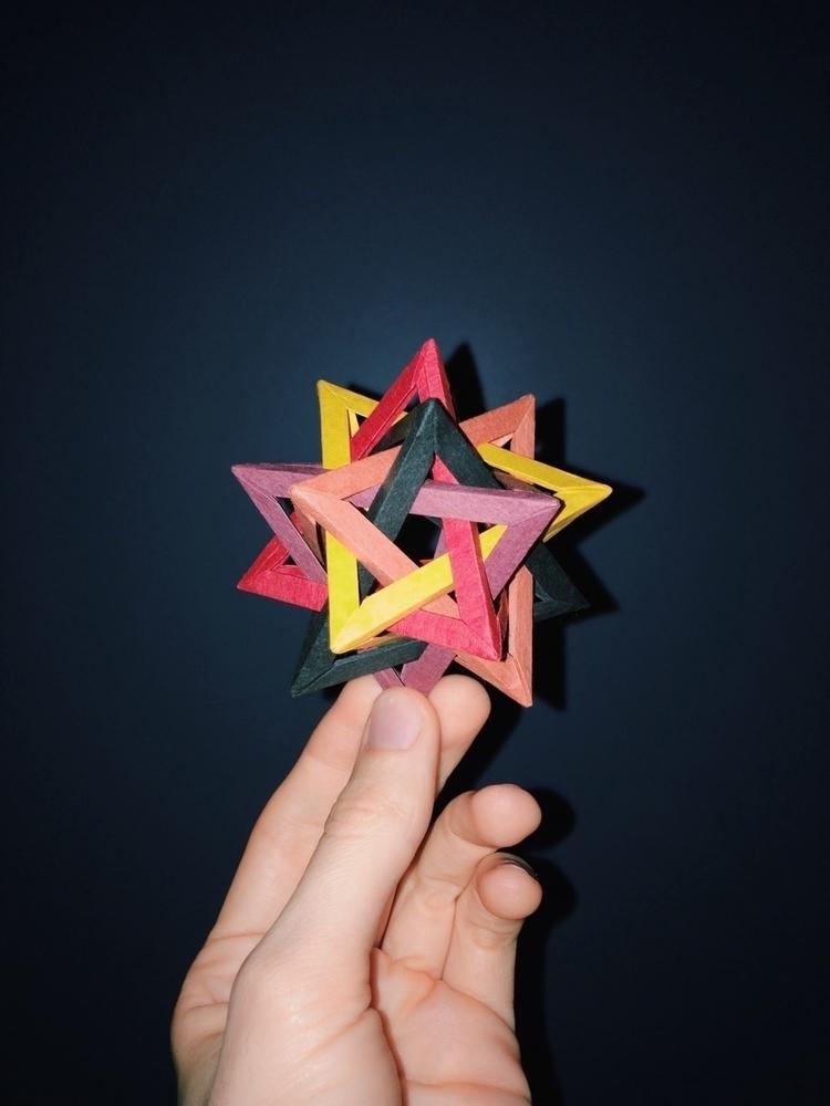 Intersecting Tetrahedra. Design - tobyelliot | ello