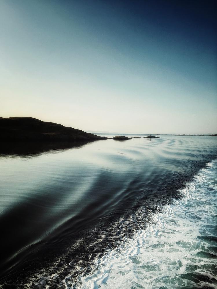 Day dreaming.. 2013, early morn - julian_calverley | ello