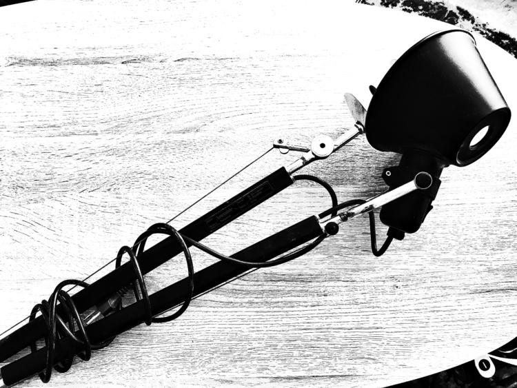 Schreibtischlampe - blackandwhitephotography - borisholtz | ello