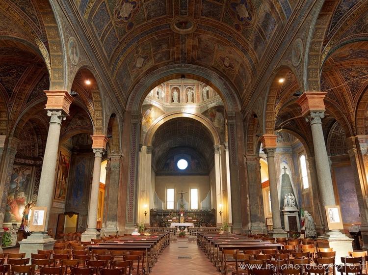 Biella, Italy: Interior Church  - milanofotografo   ello