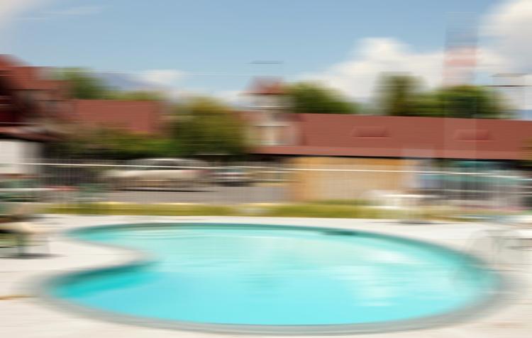 Motel Swimmer... Bishop, CA - thomashawk | ello
