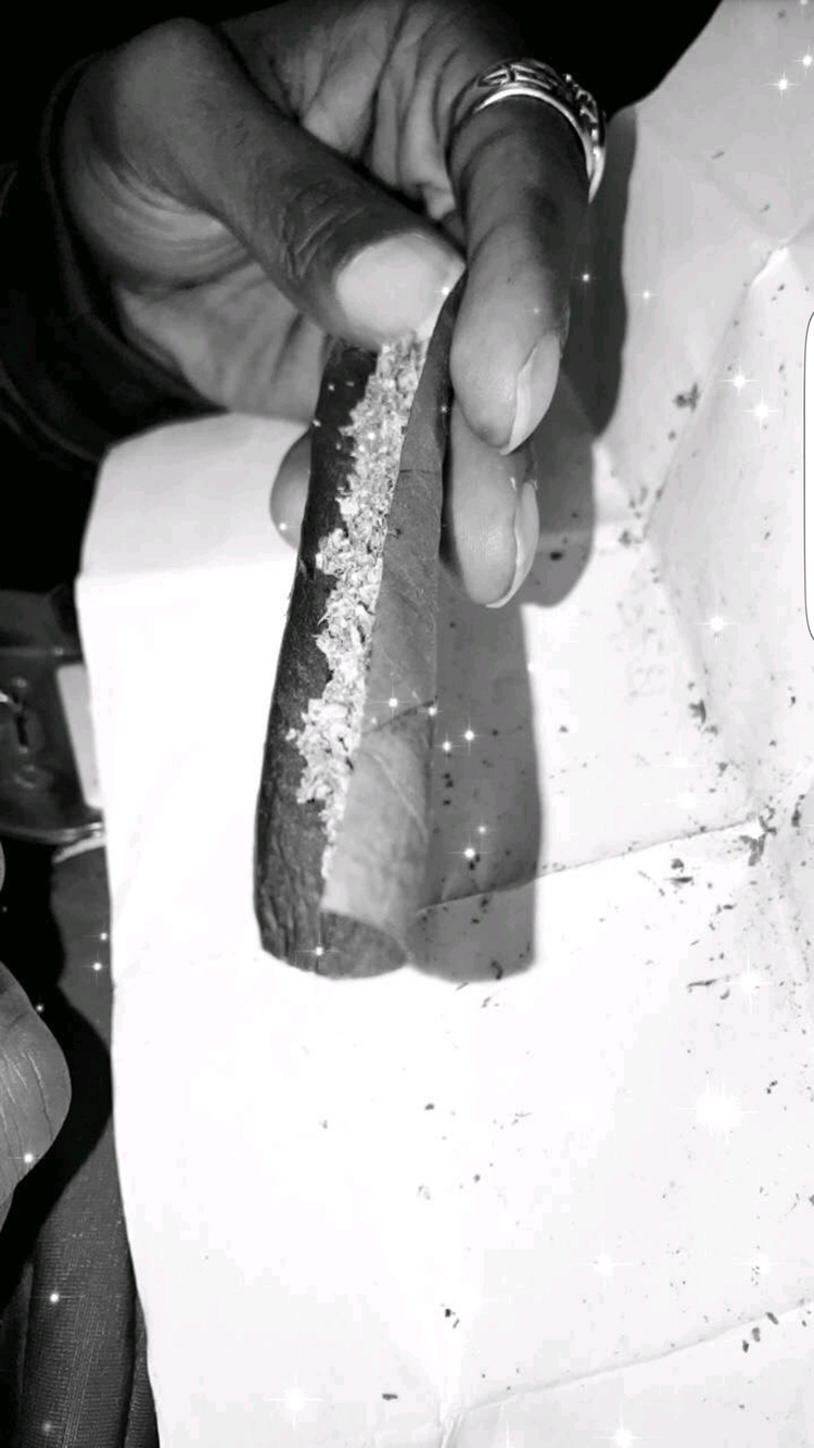 love rolling blunts art form - enjoy - greatminds23 | ello