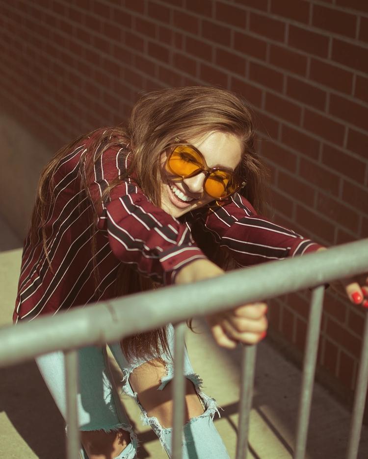 Sunshine Shoulders - seattlecreative - justmeandmybrows | ello