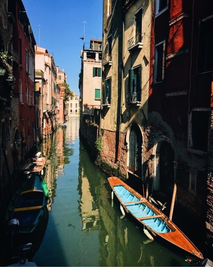 Venice - rchrdcln | ello
