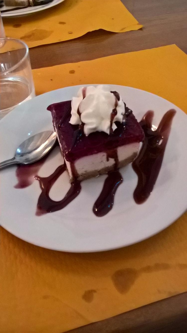 cheesecake alla fragola - Barce - robi_res | ello