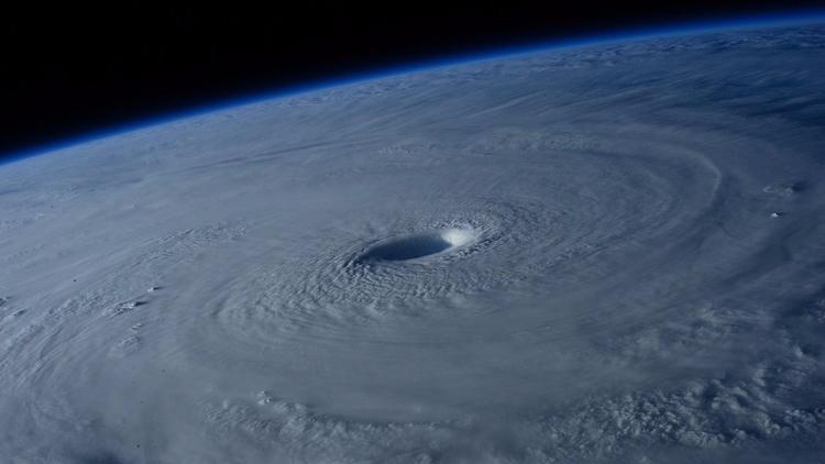 Huracán Irma es desastre hecho  - codigooculto | ello