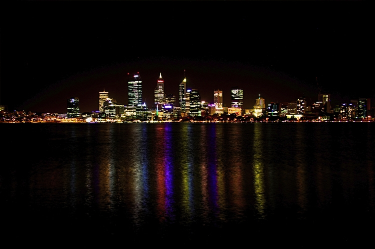 Perth, WA night. Photographer - Photography - vurigeziel | ello