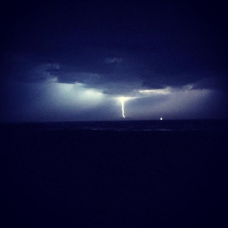 Managed catch lightning small s - konfl3ct   ello