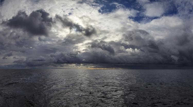 Cloudy day sea - photography, finland - anttitassberg | ello
