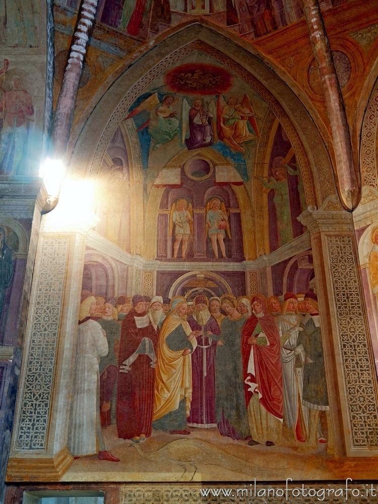Milan (Italy): Left wall Chapel - milanofotografo | ello