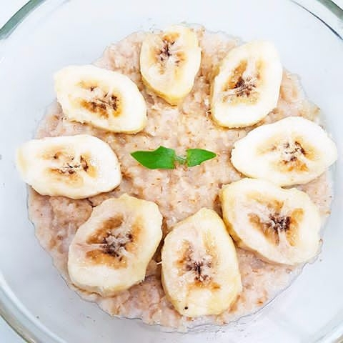 sliced - Oatmeal, Bananas, Healthy - vicsimon | ello