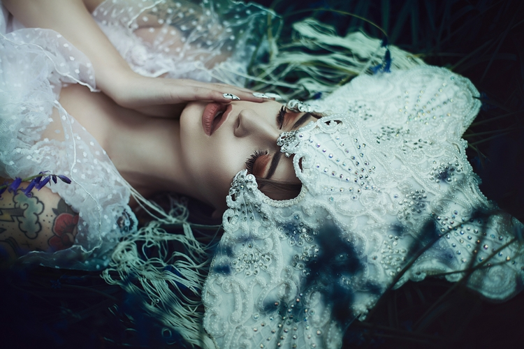 Photographer:Anjelica Hyde Eri - darkbeautymag | ello