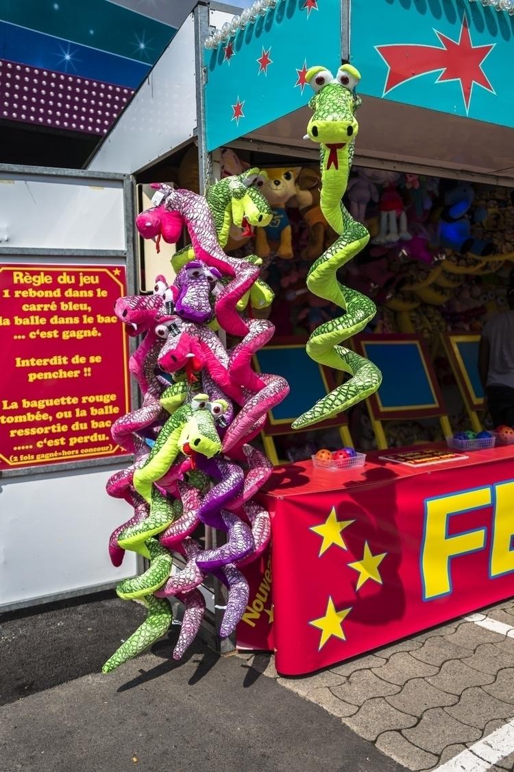 Beware snakes - luxembourgcity, streetphotos - cdelas | ello