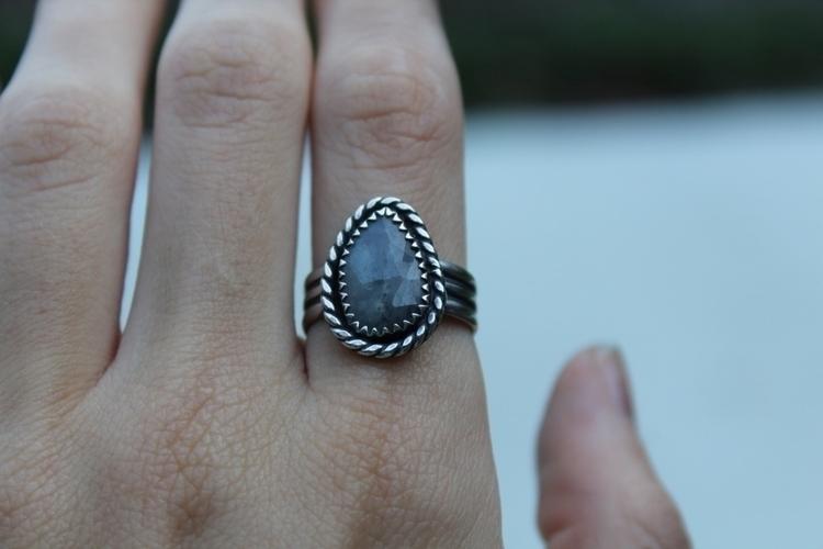 Rose Cut Sapphire Etsy  - handcrafted - skeletonkeyjewelry | ello