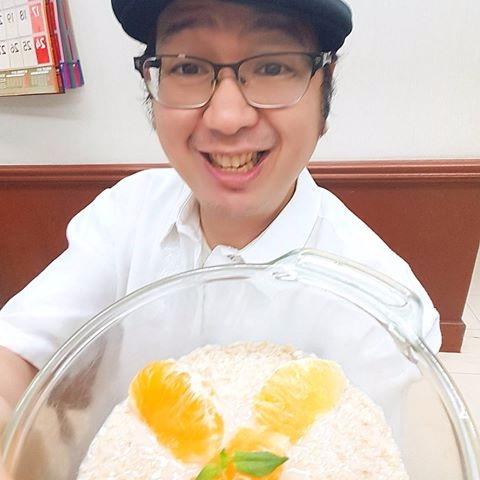 eat sweet (local orange) wedges - vicsimon | ello