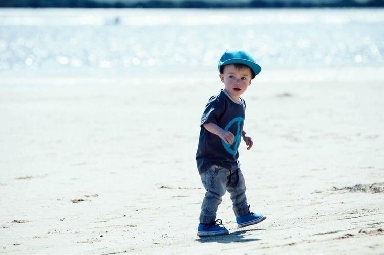Sunday sandy feet, tunes beach  - norte_wear   ello