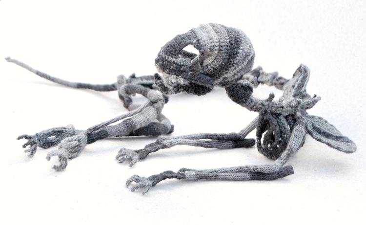 Grey cat - anatomy, skeleton, sculpture - kadriallekand   ello