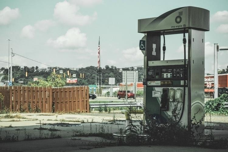Pennsylvania gas station lies u - iangarrickmason | ello